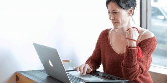 Teach Online for a Company or Go It Alone: Advantages and Disadvantages